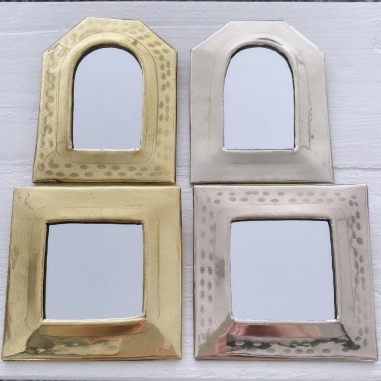 Spiegeltjes Gehamerd Vierkant Of Raam
